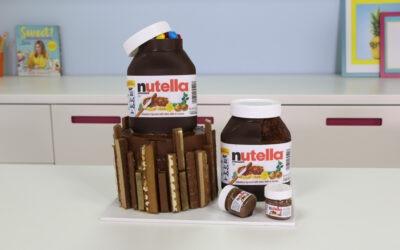 Pastel de chocolate con tarro de Nutella