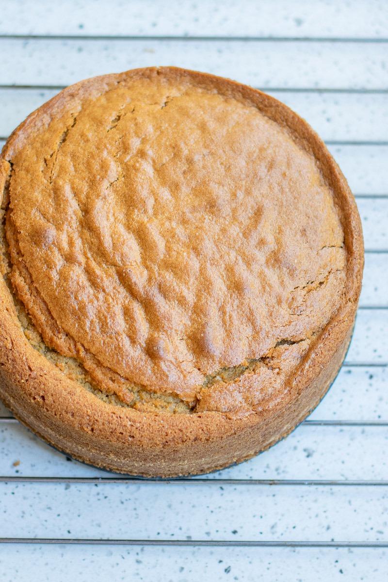 Pastel de vainilla vegano fácil sin gluten