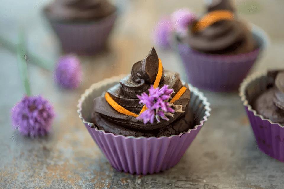 cupcakes de naranja y chocolate sin harina