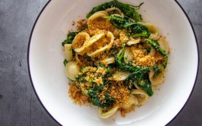 Receta de Orecchiette con le Cime di Rapa (Orecchiette de Apulia con brócoli Rabe)