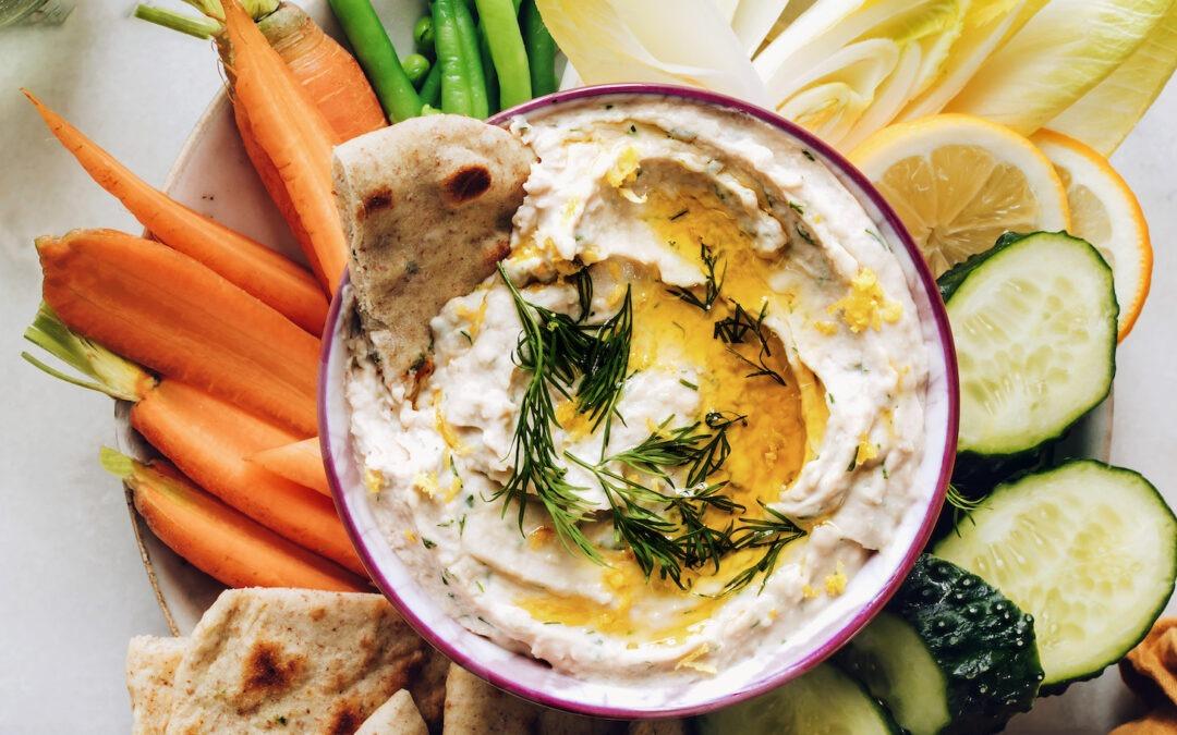 Hummus de Frijoles Blancos con Limón y Hierbas