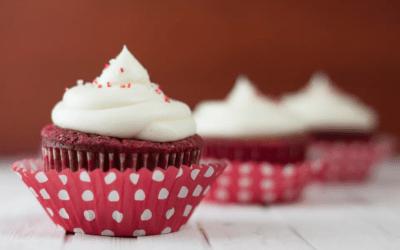 Cupcakes Red Velvet con crema dulce de queso